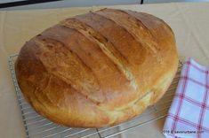 Paine de casa traditionala ungureasca (27) Hungarian Cuisine, Hungarian Recipes, Yule Log, Bread Recipes, Kenya, Food And Drink, Favorite Recipes, Yummy Food, Baking
