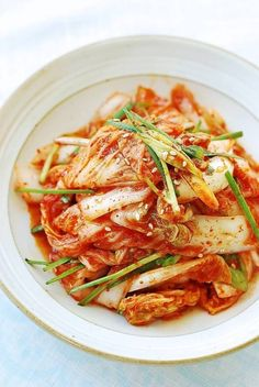 Geotjeori is quick, fresh kimchi that's made to be eaten without fermentation. It's very easy to make and goes especially well with Korean BBQ meat. Korean Dishes, Korean Food, Korean Rice, Vietnamese Food, Asian Recipes, Ethnic Recipes, Asian Foods, Herb Recipes, Fruit Recipes