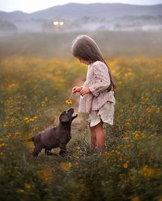 Elena's Photos Show the Innocent Love Between Kids and Animals Dogs And Kids, Animals For Kids, Animals And Pets, Baby Animals, Dogs And Puppies, Cute Animals, Doggies, Cute Kids, Cute Babies