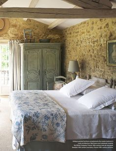 20 Inspiration With Curtain Country Bedroom - All Bedroom Design French Country Rug, French Country Bedrooms, French Country Decorating, French Farmhouse, Country Cottage Bedroom, Farmhouse Decor, Country Cottage Interiors, Vintage Country, Farmhouse Design