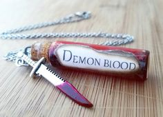 When your love for the Supernatural takes a creepy turn , it's time to own one of these blood vial necklaces. Create a conversation and make new friends. Whats better than wearing the blood of your en Evil Eye Necklace, Bottle Necklace, Diy Vampire Necklace, Red Necklace, Glass Necklace, Supernatural Necklace, Supernatural Merchandise, Supernatural Cosplay, Magic Bottles