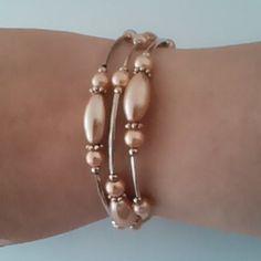 Peach memory wire bracelet  £4.70