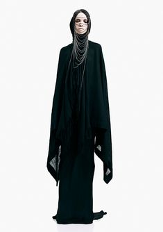A traditional Alendarian mourning outfit worn by women of nobility and royalty, especially if someone of royalty passes. This is what Eleanor wore for funeral walk of her father.