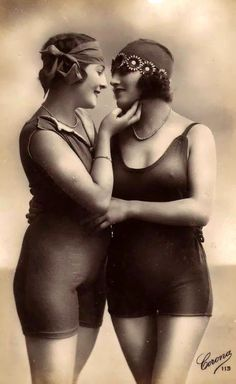 Vintage Photos of Lesbian Loves