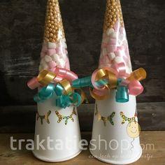 Onze vernieuwde eenhoorns met gouden accenten <3 www.traktatieshop.com