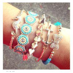 I love the seahorse bracelet