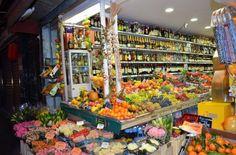 Beautiful Market in Bombastic Paris!