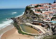 http://guias-viajar.com/ Azenhas de Mar en Costa Estoril en los alrededores de #Lisboa