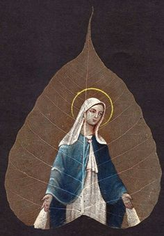 Buy this beautiful hand made leaf painting at www.peepleaf.com Dry Leaf Art, Leaf Paintings, Painted Leaves, Mother Mary, Princess Zelda, Disney Princess, Indian Art, Art Forms, Goddesses