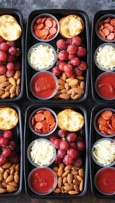 30 Delicious and Healthy Meal Prep Recipes That'll Get You Pumped for Fitness If you're new to meal prepping, I highly suggest you give it a try with these cheap and easy meal prep recipes today! They'll save you so much time! Easy Meal Prep Lunches, Prepped Lunches, Meal Prep Bowls, Healthy Meal Prep, Healthy Togo Lunches, Healthy Cheap Meals, Heart Healthy Meals, Ensalada Cobb, Clean Eating Snacks