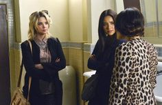 """Photo of Pretty Little Liars season 3 episode 22 """"Will The Circle Be Unbroken?"""" - promotional photos for fans of Pretty Little Liars TV Show 33632382 Suits And Tattoos, Missy Franklin, Pretty Little Liars Seasons, Hanna Marin, Just Jared Jr, Spencer Hastings, Ashley Benson, Show Photos, Summer Shirts"""