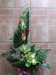 Imagem relacionada Altar Flowers, Arte Floral, Ikebana, Plants, Etsy, Florals, Decor Ideas, Home Decor, Large Flower Arrangements