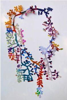 Bilderesultat for Hiroshi Yoneya: Textile Jewelry, Paper Jewelry, Macrame Jewelry, Fabric Jewelry, Jewelry Art, Jewelry Design, Gold Jewelry, Textiles, Mixed Media Jewelry