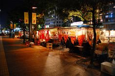 Yatai is one of the treats of Fukuoka. The chance to watch the city's people walk by, eat some of the most delicious street food in Japan, and experience the unique atmosphere is something you should not miss.