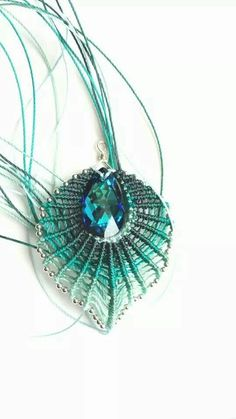 macrame leaf pendant could be adapted to look like peacock