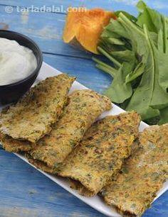 Kaddu Palak Ki Roti recipe | Calcium Rich Recipes | by Tarla Dalal | Tarladalal.com | #4828