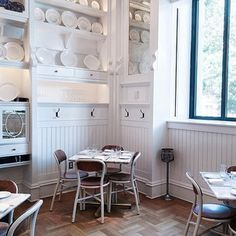によるInstagramの写真ficklekitten - . Lunch yesterday in the white dinning room. . . 昨日のランチはアッパーウエストの白いカフェで。 .