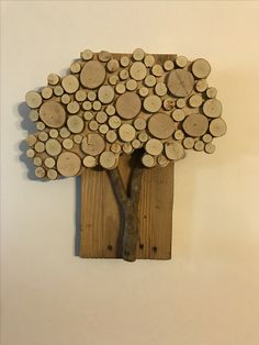 Wood Slice Crafts, Wood Crafts, Wood Shop Projects, Diy Projects, Fall Crafts, Arts And Crafts, Michigan Crafts, Rustic Crafts, Wooden Art