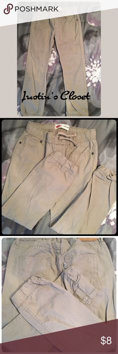 Boys Tan Levi's Joggers Boys Tan Levi's Joggers w/ Drawstring in the waistband. Levi's Bottoms Sweatpants & Joggers