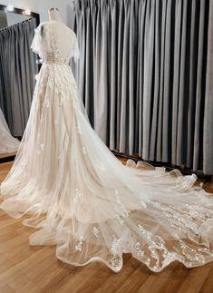 Wedding Dresses Photos, Dream Wedding Dresses, Bridal Dresses, Wedding Gowns, Vintage Style Wedding Dresses, Blush Pink Wedding Dress, Blush Pink Weddings, Lace Bridal, Corsage