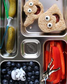Hungry for ways to jazz up your child's lunchbox? These adorable DIY bento-box lunch ideas -- crafted by blogger, author, and mom of two, Wendy Copley -- are sure to put smiles on faces and fill hungry bellies. Read on for her delicious tips, tricks, and inspirationsfor packingextra cute lunches.