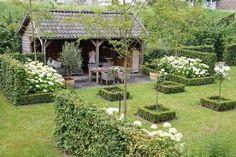Rozen, buxus en hortensia