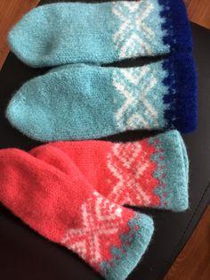 Sandnes tova vott / felted knitted mitten. Sandnes fritidsgarn / Rauma vamsegarn Hobbies And Crafts, Mittens, Fashion, Fingerless Mitts, Moda, La Mode, Fingerless Mittens, Fasion, Gloves