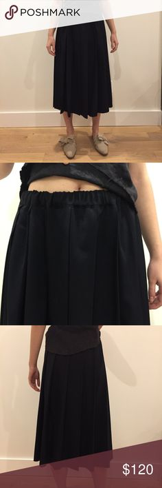 Comme des Garcons Pleated Navy Skirt Comme des Garcons Comme des Garcons Pleated Skirt in Navy ft. elastic waistband with drawstring 100% Wool  great condition, no signs of wear. Comme des Garcons Skirts Midi