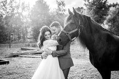 TK2358| Tara Keely| Tara Keely real bride| horse| Canadian wedding| Ottawa wedding
