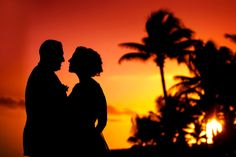 Share a kiss at sunset at Secrets Akumal Riviera Maya. Photo courtesy of Jet Fete.