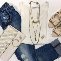 Earn up to $300 in accessories just for having your girls over? Sounds good to us! Host a Trunk Show now and you could walk away with the jewels pictured!