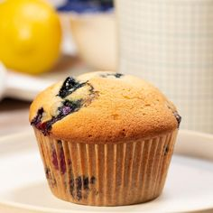 Köstliche Desserts, Dessert Recipes, Lemon Blueberry Muffins, Blueberry Desserts, Blueberry Cake, Bon Dessert, Tasty, Yummy Food, No Bake Treats