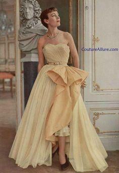 Yellow evening gown, Robert Piguet, 1950.