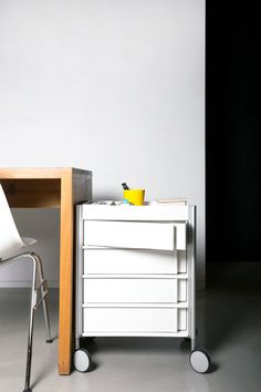 Ally Med Trolley with 4 Drawers. Looks good in your office, too;))
