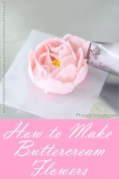 Piping buttercream flowers couldn t be easier! i walk you through every stop of how to make buttercream flowers preppykitchen flowers buttercream desserts howto torten dekorieren ideen fr buchfrmige torte und passende anlsse Cake Decorating Frosting, Frosting Tips, Cake Decorating Tutorials, Frosting Recipes, Cookie Decorating, Decorating Cakes, Cupcake Frosting Techniques, Cupcake Decorating Techniques, Cake Recipes