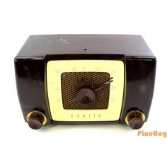 For Sale: Antique Zenith Bakelite DECO 6G05 Chassis Tube Working Radio AM H615Z S-17380
