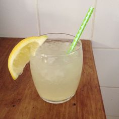 Making fresh lemon-ginger lemonade yourself - I am Cooking with Love - Make fresh lemon-ginger lemonade yourself – I am Cooking with Love A refreshing drink for the hot - Summer Drinks, Fun Drinks, Healthy Drinks, Smoothie Drinks, Smoothie Recipes, Smoothies, I Want Food, Juicy Juice, Tapas
