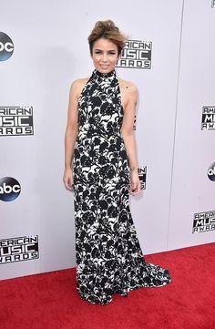 nice 2014 American Music Awards - Red Carpet