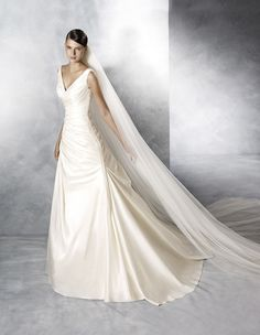 """JOSUNE"" White One by Pronovias 2016"