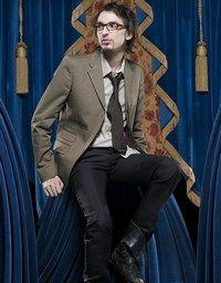 """Interview vidéo, Christophe Willem, une journée avec """"la tortue"""" - © Sony BMG Le gagnant de La Nouvelle Star cuvée 2006, Christophe Willem, est devenu le chouchou du public : un album n°1 des ventes, des fans clubs qui pullulent..."""