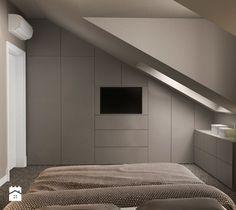 Aranżacje wnętrz - Sypialnia: Średnia sypialnia małżeńska na poddaszu z garderobą, styl nowoczesny - ARCHISSIMA. Przeglądaj, dodawaj i zapisuj najlepsze zdjęcia, pomysły i inspiracje designerskie. W bazie mamy już prawie milion fotografii! Loft Storage, Compact House, Attic Conversion, House Extensions, Bedroom Loft, Tiny Living, New Room, Bungalow, House Plans