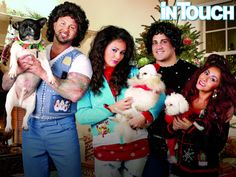 See Snooki and JWoww's Hilariously Awkward Family Christmas Photo!