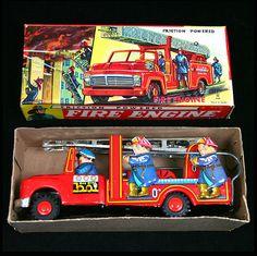 Usagiya Friction Drive 'Fire Engine'. Vintage Tin Tinplate Toy. Made In Japan. c. 1960's.