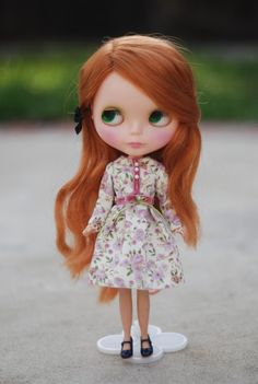 ha, blythe dolls are weird... but somehow i love how some of them look! :)
