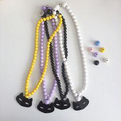 Rencontre avec Aude, la créatrice de Sweeties, jolie marque de bijoux en perles de bois de couleur ornés d'ours polaires, d'étoiles ou de petits nuages