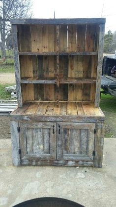 Pallet wood china cabinet