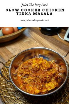 Probably the easiest curry you will evet make .without losing any flavour Slow Cooker Bread, Slow Cooker Soup, Slow Cooker Recipes, Cooking Recipes, Cooking Ideas, Spicy Recipes, Easy Healthy Recipes, Indian Food Recipes, Meat Recipes