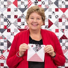 Jenny combines nine-patches and hourglasses to create this easy and timeless Nine Patch and Hourglass Quilt! Watch the free tutorial to learn how to make this beautiful quilt today! Star Quilt Patterns, Star Quilts, Easy Quilts, Quilt Blocks, Missouri Quilt Tutorials, Quilting Tutorials, Quilting Designs, Msqc Tutorials, Quilting Ideas