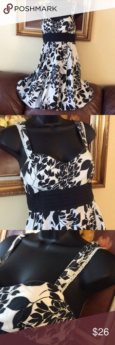"""💞Forever 21💞100% cotton cute dress Preowned in very good condition, waist 16"""", burst 19"""", length from shoulder is 36"""" Forever 21 Dresses Mini"""