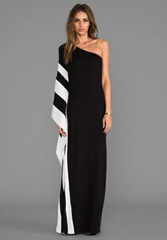 RACHEL ZOE Azur One Shoulder Maxi Dress in Black  White | www.revolveclothing.com (217,66€)